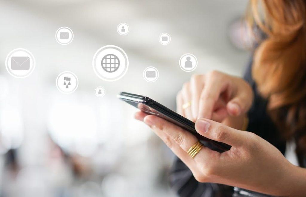 Fazer networking usando as redes sociais